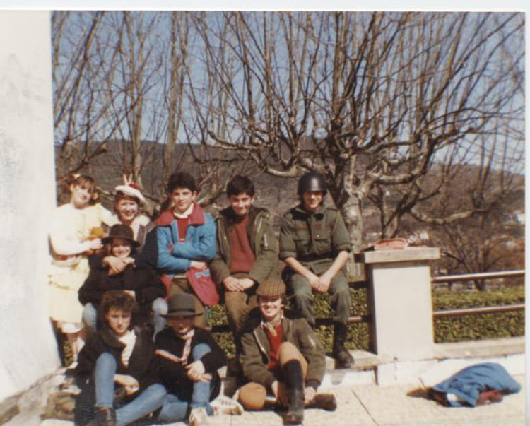 photo de classe carnaval de 1984 coll ge andr chamson copains d 39 avant. Black Bedroom Furniture Sets. Home Design Ideas