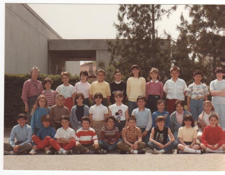 photo de classe cm2 1985 de 1985 ecole le bouquet montelimar copains d 39 avant. Black Bedroom Furniture Sets. Home Design Ideas