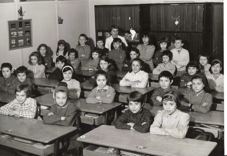 photo de classe cm de 1964 ecole ancienne mairie copains d 39 avant. Black Bedroom Furniture Sets. Home Design Ideas