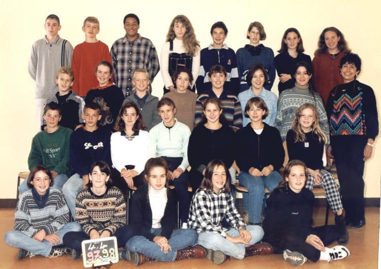 photo de classe 4e4 de 1996 coll ge l 39 oiseau blanc copains d 39 avant. Black Bedroom Furniture Sets. Home Design Ideas