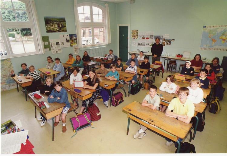 Photo de classe CM2 Francois Codet de 1992, Ecole François Codet (Bois Guillaume) Copains d'avant # Lycée Rey Bois Guillaume