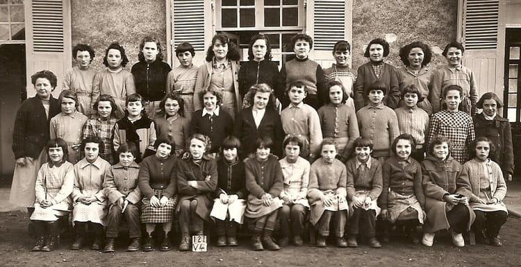 Photo de classe grande classe de 1956 ecole curie noyen for Garage noyen sur sarthe