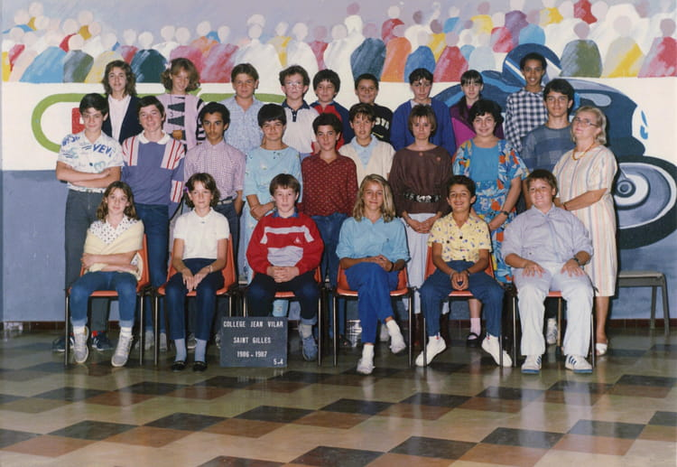 photo de classe 5 me 4 de 1986 coll ge jean vilar copains d 39 avant. Black Bedroom Furniture Sets. Home Design Ideas