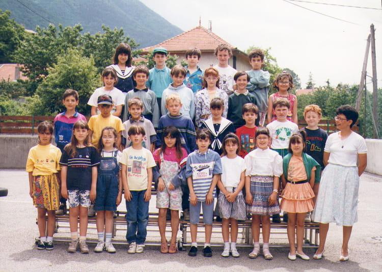 Photo de classe 92 93 de 1993 ecole de la gare saint for Maison saint georges de commiers
