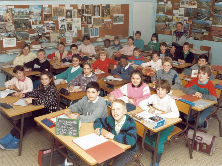 photo de classe cm2 de 1987 ecole louis lemonnier franqueville saint pierre copains d 39 avant. Black Bedroom Furniture Sets. Home Design Ideas