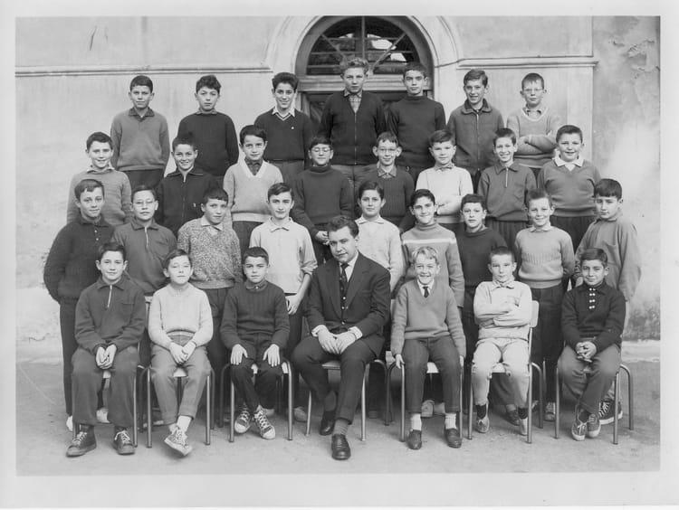 Photo de classe 5 a4 lyc e daudet nimes de 1961 lyc e for Lycee alphonse daudet
