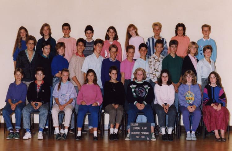 photo de classe 3 me4 de 1988 coll ge l 39 oiseau blanc copains d 39 avant. Black Bedroom Furniture Sets. Home Design Ideas
