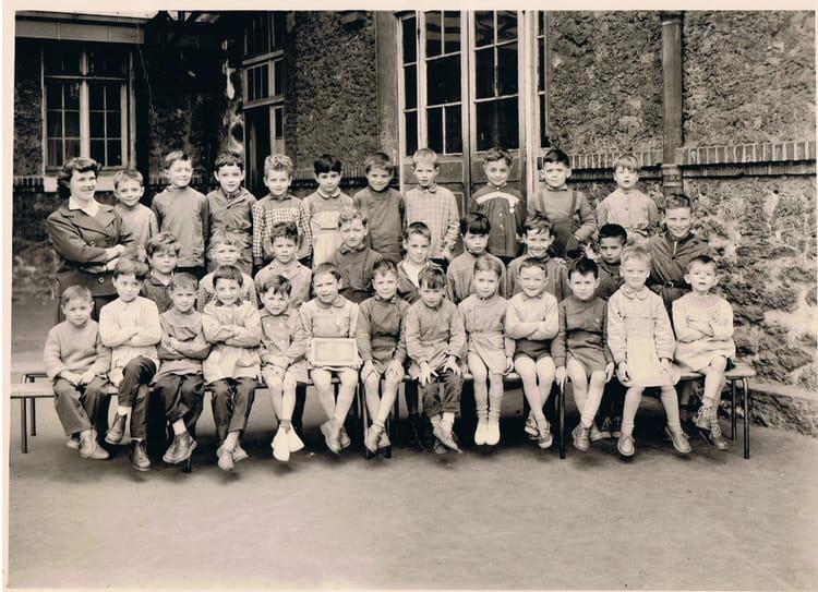 Photo de classe CP A de 1959, ECOLE MARCELIN BERTHELOT  ~ Hopital De Montreuil Sous Bois
