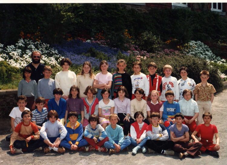 photo de classe cm2 de 1985 ecole du port copains d avant