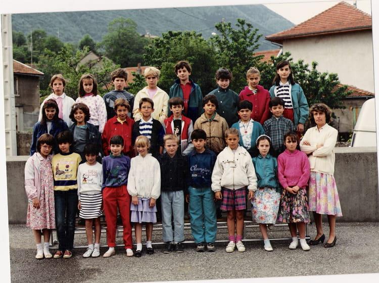 Photo de classe cm1 cm2 de 1988 ecole de la gare saint for Maison saint georges de commiers