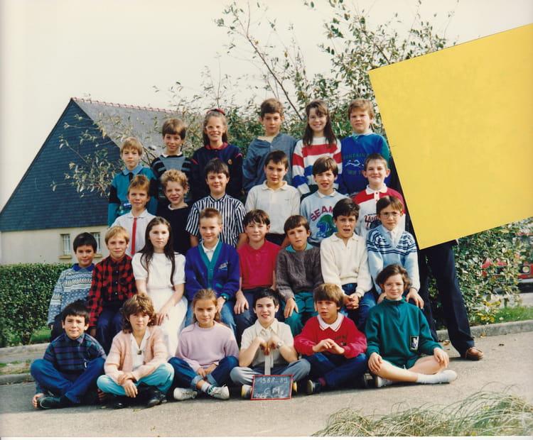photo de classe cm2 1989 90 de 1989 ecole de rennes. Black Bedroom Furniture Sets. Home Design Ideas