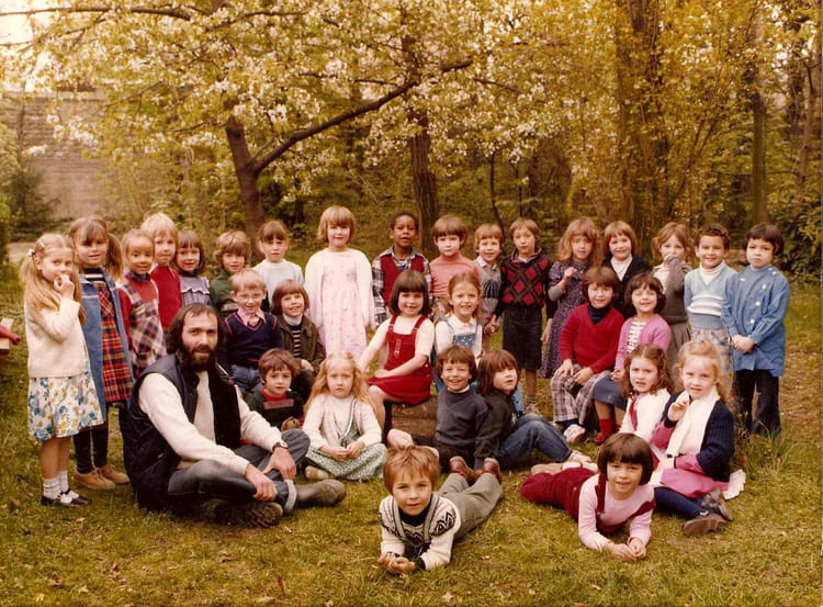 photo de classe 3 me ann e de maternelle de 1980 ecole jeanne d 39 arc copains d 39 avant. Black Bedroom Furniture Sets. Home Design Ideas