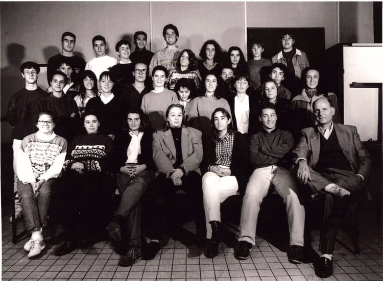 photo de classe t bac b de 1993 lyc e professionnel toulouse lautrec copains d 39 avant. Black Bedroom Furniture Sets. Home Design Ideas