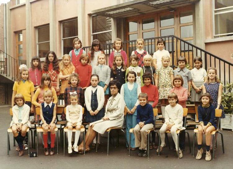 photo de classe cm1 de 1971 ecole institution du saint. Black Bedroom Furniture Sets. Home Design Ideas