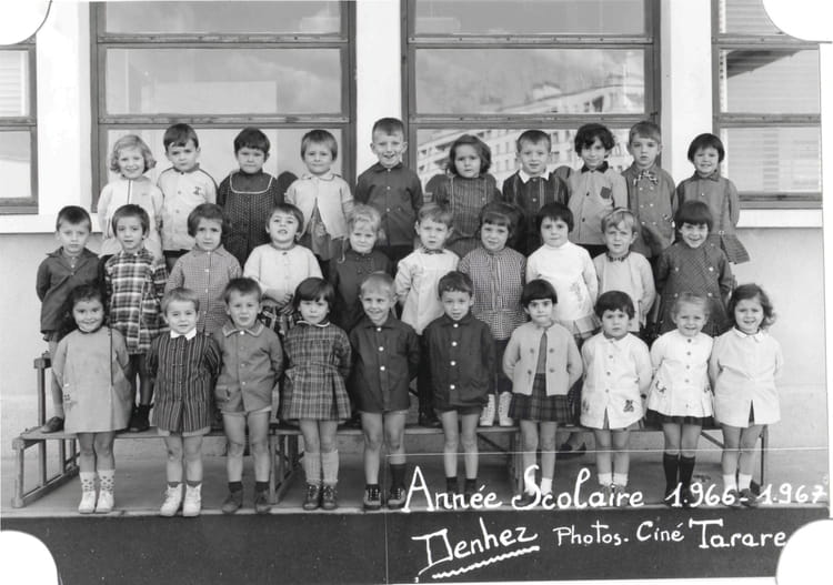 photo de classe petite section avec mme drouin de 1967 ecole jean bonthoux villefranche sur. Black Bedroom Furniture Sets. Home Design Ideas