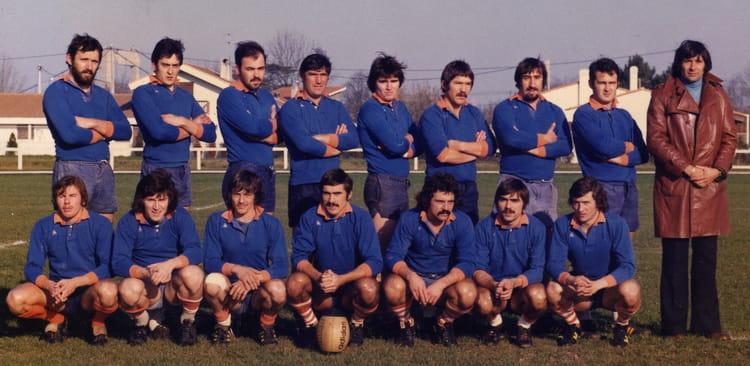 photo de classe ca lormont equipe premi re 1978 de 1978 cal rugby copains d 39 avant. Black Bedroom Furniture Sets. Home Design Ideas