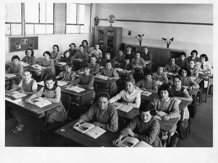 photo de classe brosolette de 1960 ecole pierre brossolette saint dizier copains d 39 avant. Black Bedroom Furniture Sets. Home Design Ideas