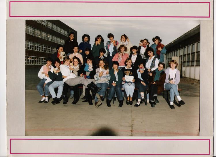 photo de classe terminale 14 f8 de 1988 lyc e edouard gand copains d 39 avant. Black Bedroom Furniture Sets. Home Design Ideas