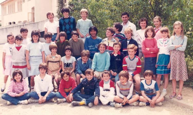 Photo de classe cm2 mr folcher de 1984 ecole valene - Salon de la chasse saint gely du fesc ...