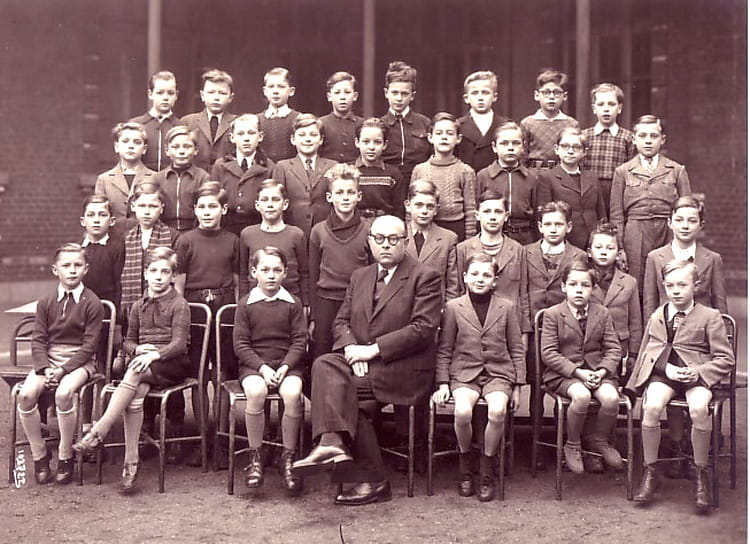 Photo de classe 8 me annexe bd louis xiv lyc e faidherbe for Salon coiffure louis xiv