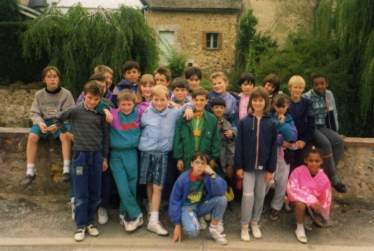 Photo de classe stage canoe cm2 de 1989 ecole jacques for Garage bailleau le pin