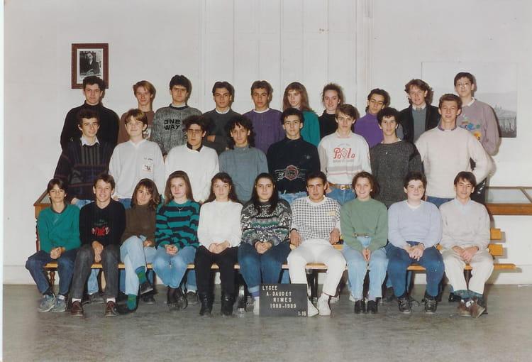 Photo de classe 2 me12 de 1987 lyc e alphonse daudet for Lycee alphonse daudet