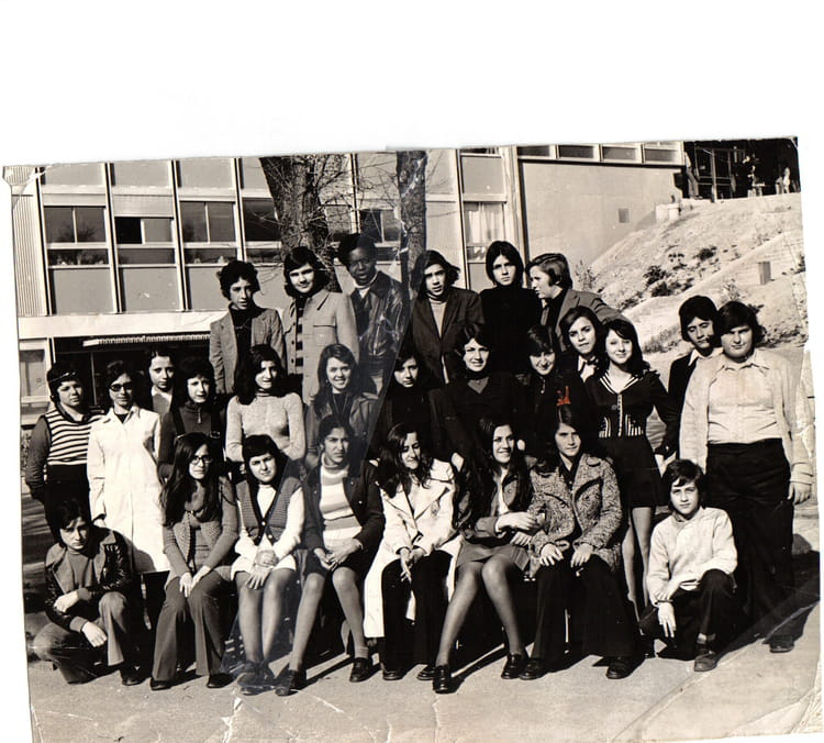 photo de classe 4ieme2 de 1971 college henri barnier copains d 39 avant. Black Bedroom Furniture Sets. Home Design Ideas