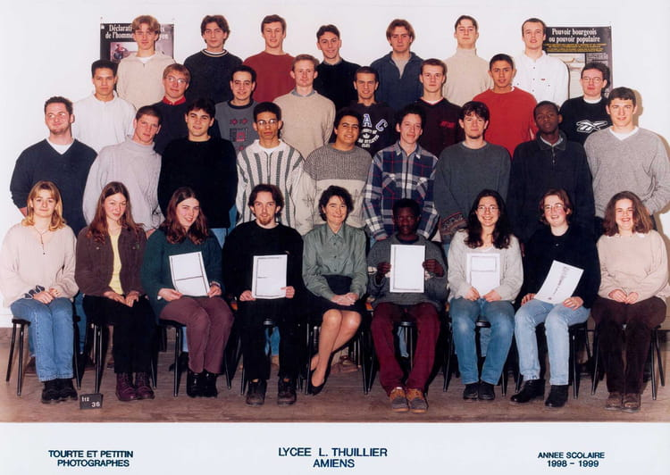 photo de classe prepa pcsi de 1998 lyc e louis thuillier copains d 39 avant. Black Bedroom Furniture Sets. Home Design Ideas