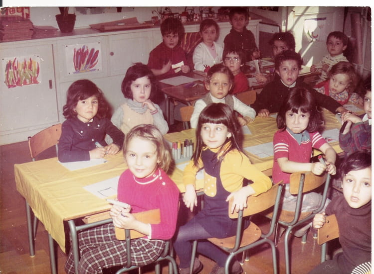 photo de classe maternelle de 1973 ecole des tables claudiennes copains d 39 avant. Black Bedroom Furniture Sets. Home Design Ideas