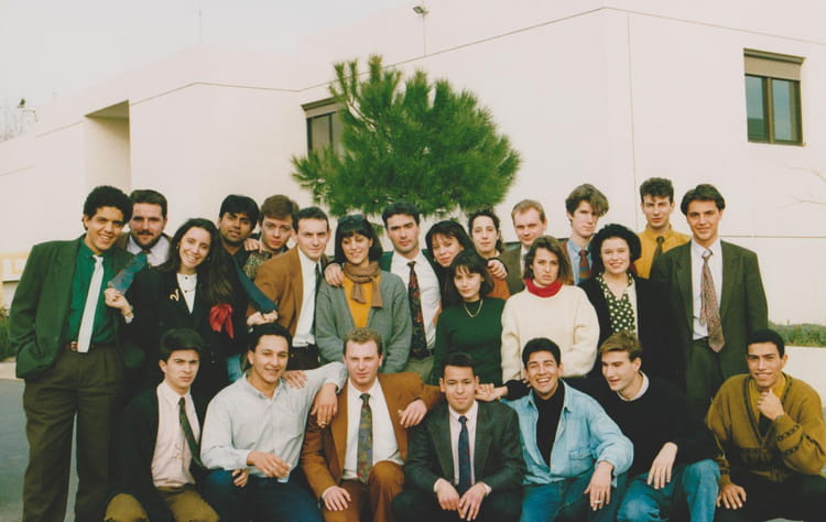 photo de classe bts action commerciale de 1992 cfa corot copains d 39 avant. Black Bedroom Furniture Sets. Home Design Ideas