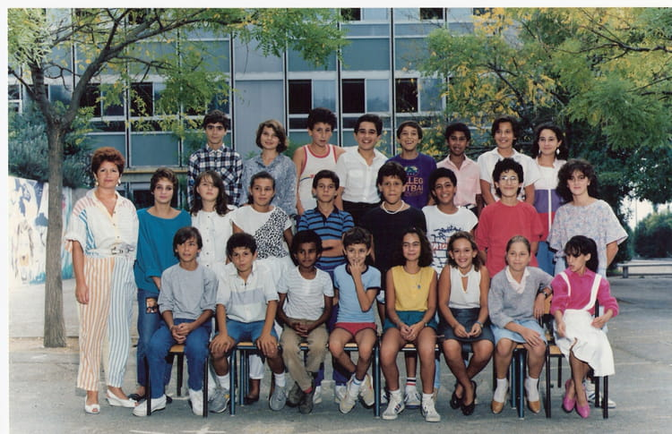 photo de classe de 1986 college henri barnier copains d 39 avant. Black Bedroom Furniture Sets. Home Design Ideas