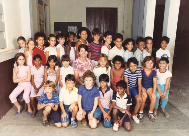 photo de classe cm2 de 1984 ecole rosalie javouhey copains d 39 avant. Black Bedroom Furniture Sets. Home Design Ideas