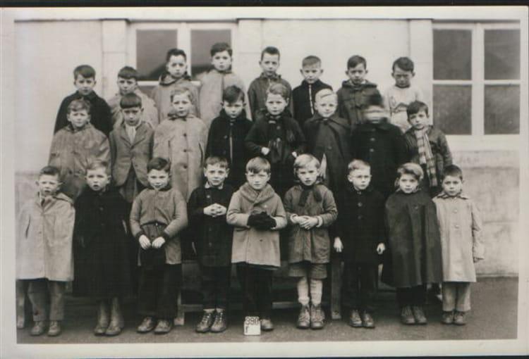 Photo de classe ecole primaire de 1955 ecole primaire saint sauveur le vicomte copains d 39 avant - Piscine saint sauveur le vicomte ...