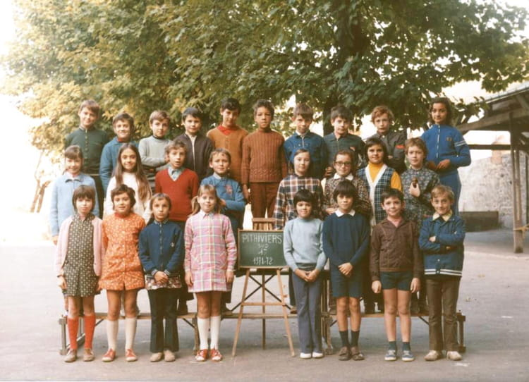 photo de classe cm2 de 1971 ecole du general de gaulle. Black Bedroom Furniture Sets. Home Design Ideas