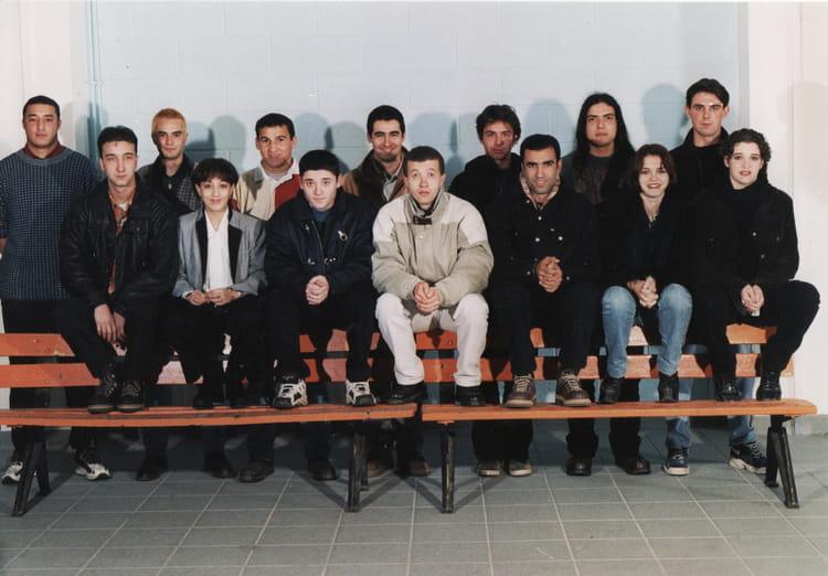 Photo de classe bac pro amenagement finition de 1997 for Programme bac pro cuisine