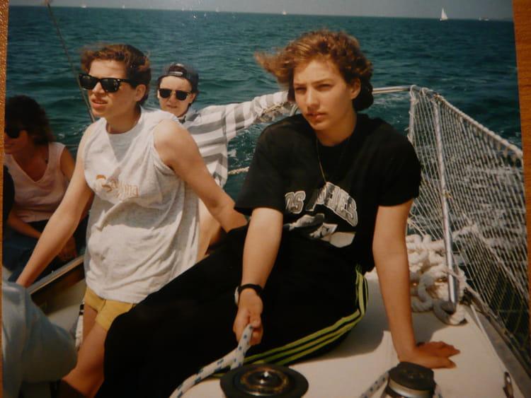 photo de classe une sur le bateau de 1993 coll ge gustave courbet copains d 39 avant. Black Bedroom Furniture Sets. Home Design Ideas