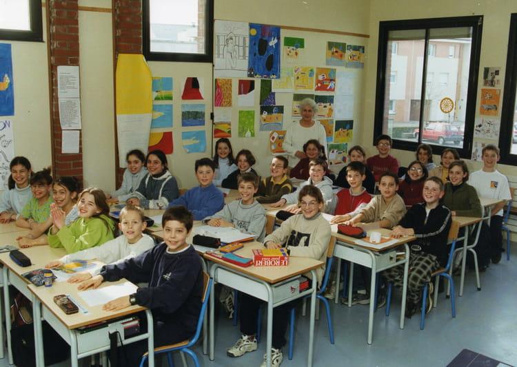 Photo de classe CM2 de 1999, Ecole Les Portes De La Foret (Bois Guillaume) Copains d'avant # Lycée Rey Bois Guillaume