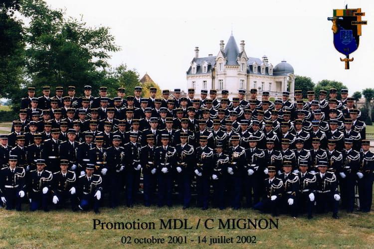 photo de classe 1 ere promotion de 2002 ecole gendarmerie libourne esog copains d 39 avant. Black Bedroom Furniture Sets. Home Design Ideas