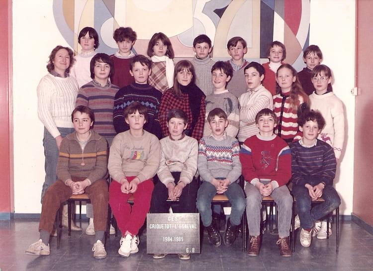 photo de classe 6eme8 de 1984 coll ge l 39 oiseau blanc copains d 39 avant. Black Bedroom Furniture Sets. Home Design Ideas