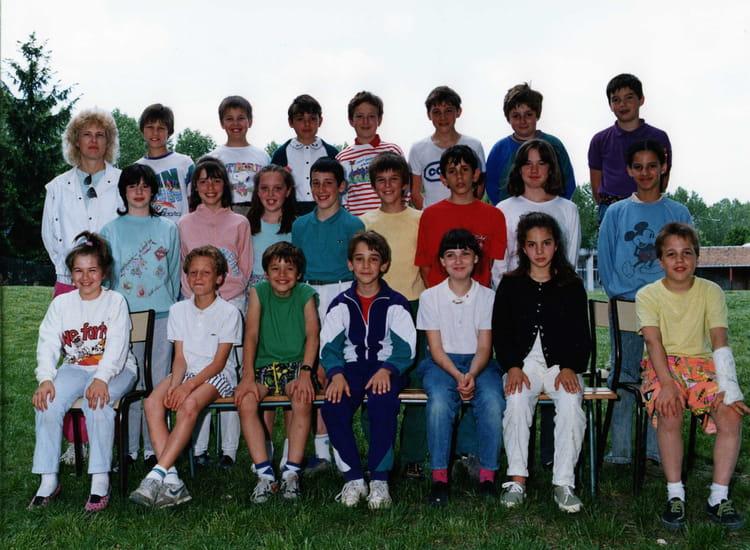 Photo de classe cm2 a de 1990 ecole la nerac boussy for Boussy saint antoine piscine