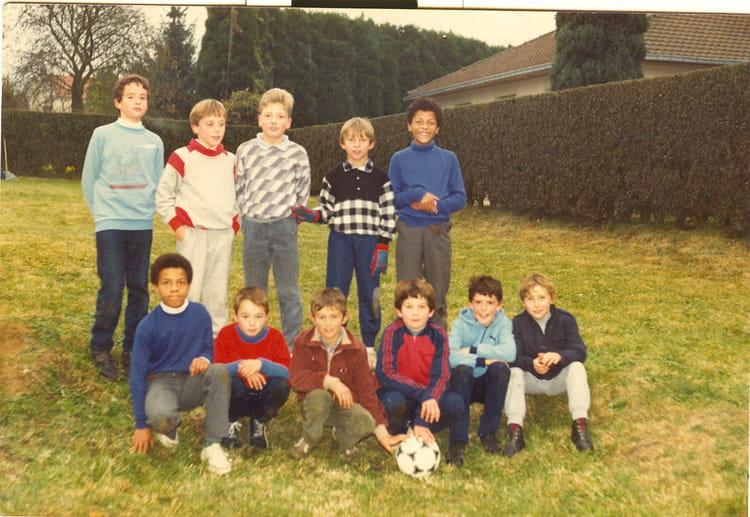 photo de classe une equipe de copains de 1985 coll ge georges cobast copains d 39 avant. Black Bedroom Furniture Sets. Home Design Ideas