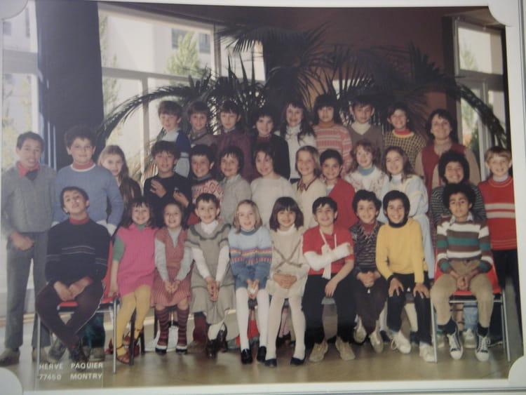 photo de classe cm1 de 1982 ecole jean rostand villers saint paul copains d 39 avant. Black Bedroom Furniture Sets. Home Design Ideas