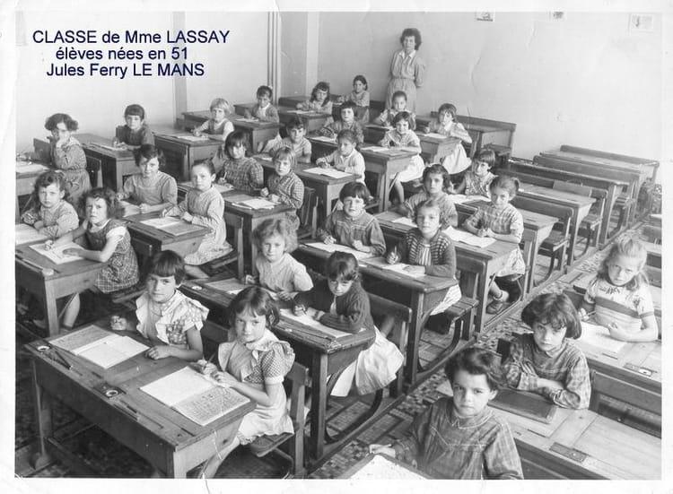 photo de classe jules ferry le mans filles 1957 de 1957 ecole jules ferry copains d 39 avant. Black Bedroom Furniture Sets. Home Design Ideas