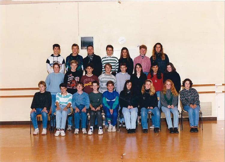 photo de classe classe de 3e de 1994 coll ge l 39 oiseau blanc copains d 39 avant. Black Bedroom Furniture Sets. Home Design Ideas