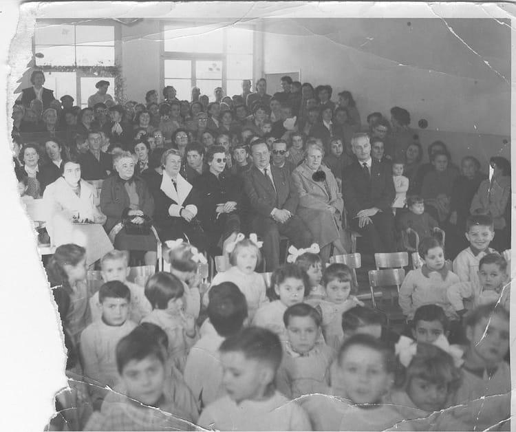 photo de classe maternelle l pourcelly de 1954 ecole la garde la ciotat copains d 39 avant. Black Bedroom Furniture Sets. Home Design Ideas