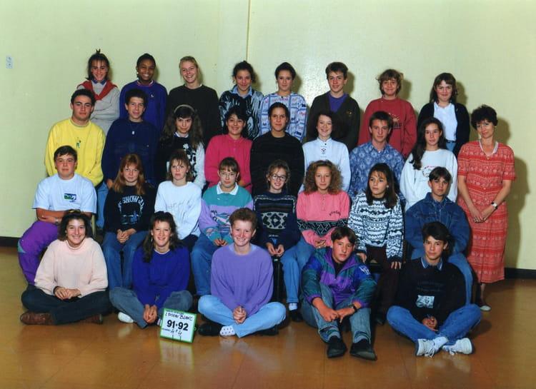 photo de classe 4e4 de 1991 coll ge l 39 oiseau blanc copains d 39 avant. Black Bedroom Furniture Sets. Home Design Ideas