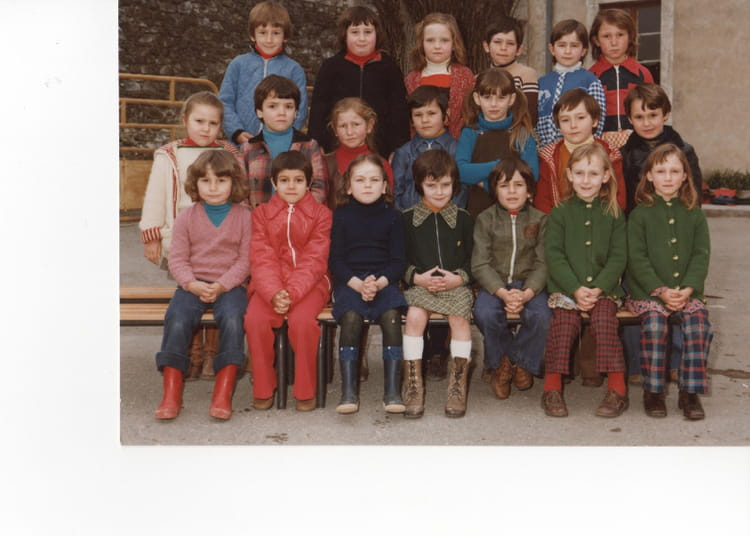 photo de classe ecole cleon d 39 andran de 1978 ecole olivier de serres cleon d andran copains. Black Bedroom Furniture Sets. Home Design Ideas