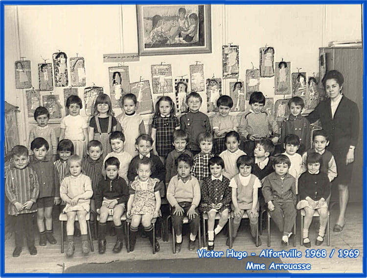 photo de classe maternelle v hugo alfortville de 1968 ecole maternelle victor hugo copains d. Black Bedroom Furniture Sets. Home Design Ideas
