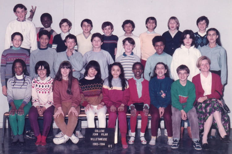photo de classe 6 me e de 1983 coll ge jean vilar copains d 39 avant. Black Bedroom Furniture Sets. Home Design Ideas