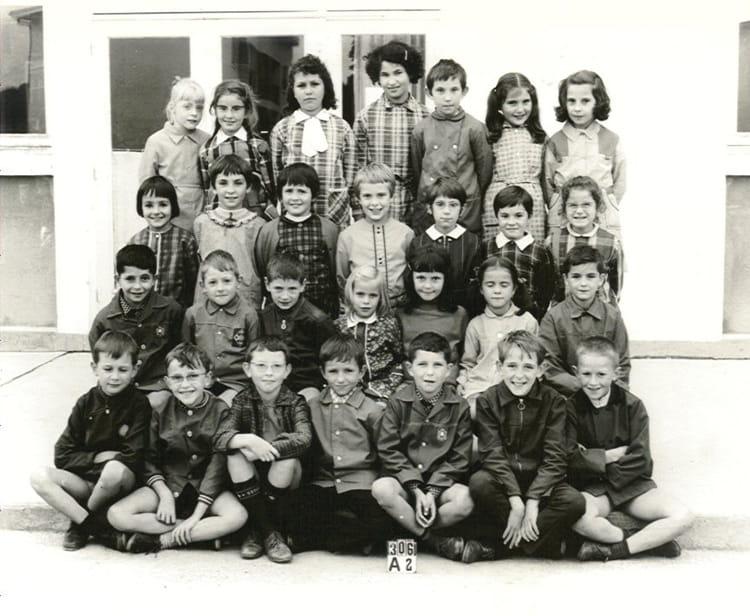 photo de classe ce1 jean mac en 1971 de 1971 ecole groupe scolaire jean mace gueret. Black Bedroom Furniture Sets. Home Design Ideas